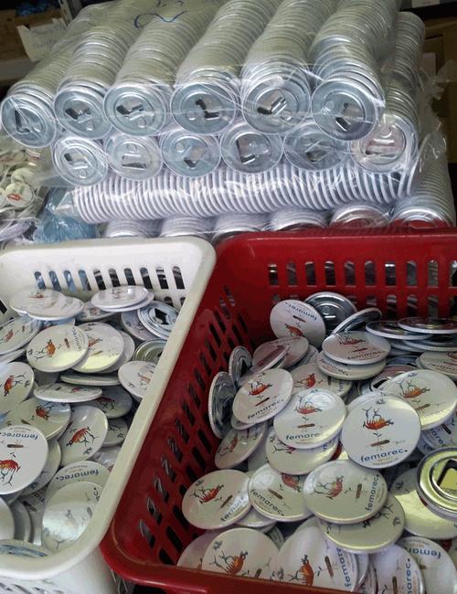 Chapas personalizadas de 59 mm con abrebotellas e imán