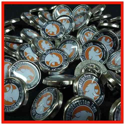 pins promocionales